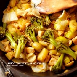 Frango com vegetais e um toque de improviso