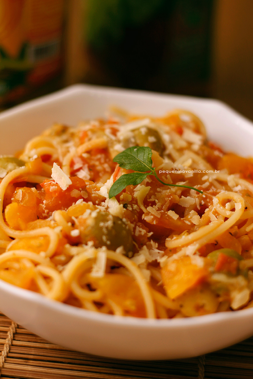 spaghetti-tomate-azeitona-3