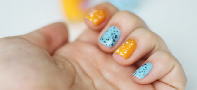 """Achei linda a combinação de cores e o efeito com esses """"glitters"""" da Colorama. O post é do Depois dos Quinze"""