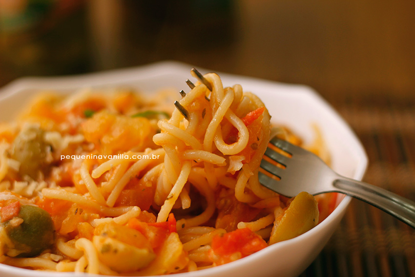 spaghetti-tomate-azeitona-6
